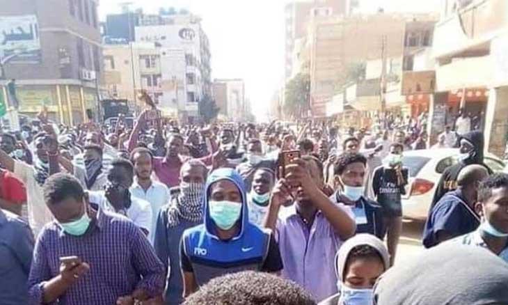 الثورة السودانية: اتركوني لا أستطيع أن أتنفس