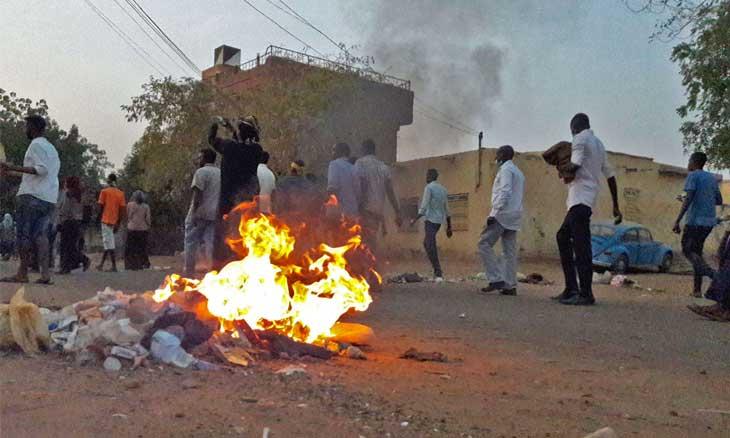 تجربة الثورة المصرية والحراك السوداني