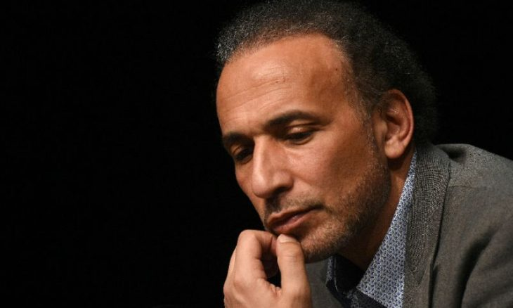 القضاء الفرنسي يُبقي على تهم الاغتصاب بحق طارق رمضان