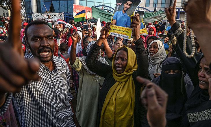 من شارع القيادة العامة للجيش السوداني:تأريخ جديد