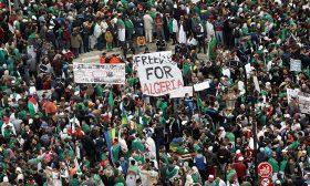 عزل عدد من الولاة في الجزائر