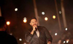 """إغماءات في حفل محمد حماقي.. والجمهور يصرخ: """"وقف هنموت""""!"""