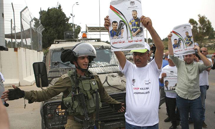 22 إعلامياً معتقلين في سجون الاحتلال الإسرائيلي