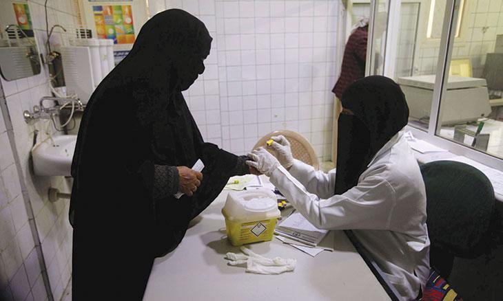 """اليمن: المنظمات الإغاثية الدولية والمحلية """"ثقب أسود"""" يبتلع المساعدات الإنسانية"""