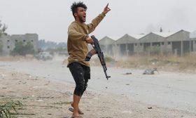 الكاتب والمحلل السياسي الليبي عصام زبير: الوضع اليوم في ليبيا لا يؤشر إلى حل قريب