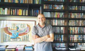 المخرج الفلسطيني هاني أبو أسعد: الفيلم السينمائي ينجح عندما ينتج مأزقا لدى الجمهور
