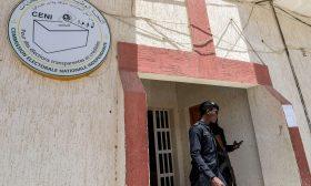الشرطة الموريتانية تداهم مقري مرشحين معارضين وتغلق أحدهما