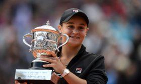 بارتي تفوز بفرنسا المفتوحة وتحرز لقبها الأول في البطولات الأربع الكبرى