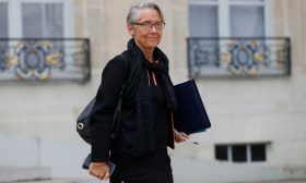 """وزيرة النقل الفرنسية تتولى حقيبة البيئة بعد استقالة """"دو روجي"""""""