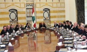 لبنان: خلط أوراق بين الحلفاء عشية توجّه مجلس الوزراء لوضع اليد على ملف إجازات العمل للفلسطينيين