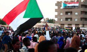 السودان بعد التغيير السياسي ينشد انطلاقة تبدأ بإعفائه من ديونه