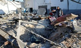 قوات حفتر تقتل 3 أطفال في قصف على طرابلس