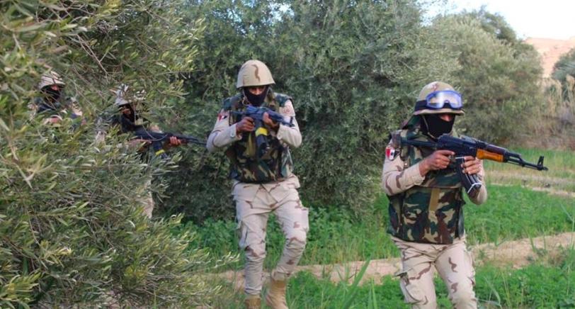 إصابة جندي مصري في اشتباك مع مهربي مخدرات على الحدود مع إسرائيل