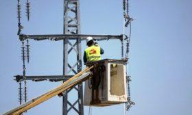شركة الكهرباء الإسرائيلية تنهي قطع التيار عن الضفة الغربية بعد سداد ديون فلسطينية