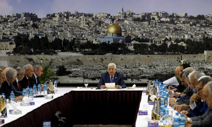 القيادة الفلسطينية تشرع في بحث الخيارات للرد على رفض إجراء الانتخابات في القدس