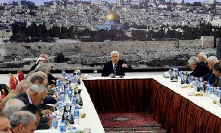 التراشق والخلاف بين فتح وحماس يتواصل حول إصدار المرسوم الرئاسي لتحديد مواعيد الانتخابات