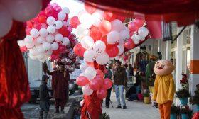 أفغانستان تحتفل بعيد الحب بالورود ومسابقة للأزياء- (صور)