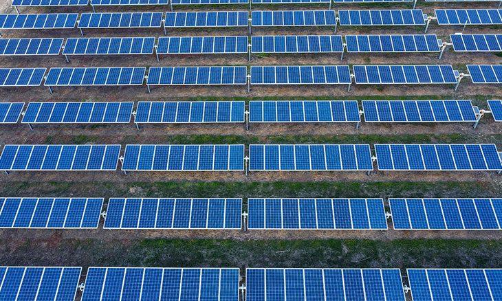 التحدي التاريخي أمام البلدان المصدرة للنفط: الانتقال من الوقود الأحفوري إلى الطاقة المتجددة