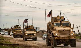 """اشتباك """"وجهاً لوجه"""" بين موالين للنظام السوري وقوات أمريكية- (فيديو)"""