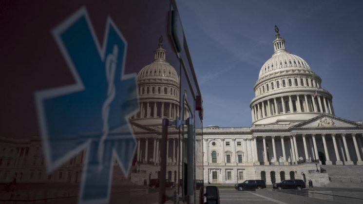 سيناتور ديمقراطي ثان يحذر من أنه قد يصوت ضد ميزانية بايدن