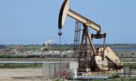 أسعار النفط ترتفع قليلا وسط آمال تعافي الاقتصاد العالمي