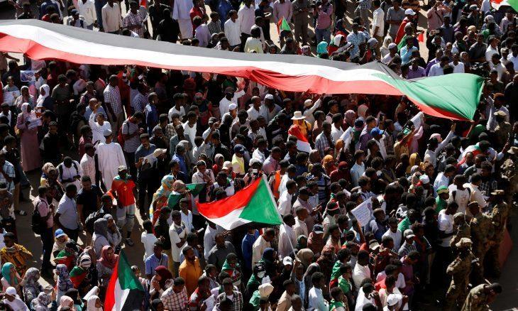 """السودان.. مطالبات بالعدالة لقتلى اعتصام """"القيادة العامة"""""""