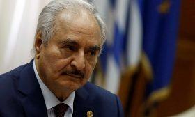 """تركيا تهدد بمهاجمة قوات حفتر إن تواصل استهداف """"مصالحها"""" في ليبيا"""