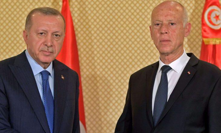 """كشفته وثائق بقاعدة الوطية ونقلها أردوغان لـسعيّد.. هكذا أحبطت المخابرات التركية """"الانقلاب الإماراتي"""" في تونس – (تغريدات)"""
