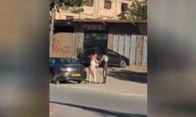 هدية عيد غير متوقعة لفقير في أحد شوارع الجزائر