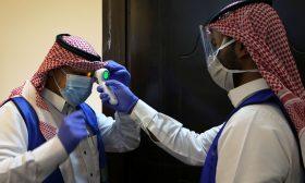 السعودية تسجل 15 حالة وفاة و2442 إصابة جديدة بفيروس كورونا