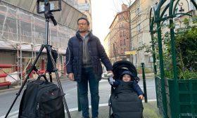 """أن تكون صحافياً وأباً في زمن كورونا.. مراسل """"التلفزيون العربي"""" بباريس يروي تجربته"""