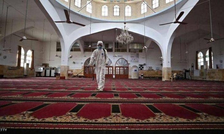 7 دول عربية تمنع صلاة العيد بالمساجد والساحات..