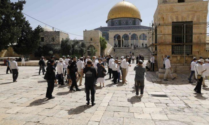 الاحتلال ينغص فرحة العيد ويشن اعتقالات واسعة.. والمقدسيون يستعدون للدفاع عن الأقصى من اقتحامات لجماعات متطرفة