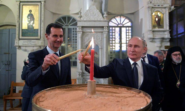 الأسد وبوتين في رقصة السولو مع مراعاة التباعد الاجتماعي