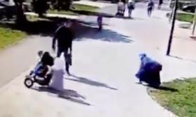 روسيا.. اعتداء وحشي على امرأة مسلمة أمام أطفالها