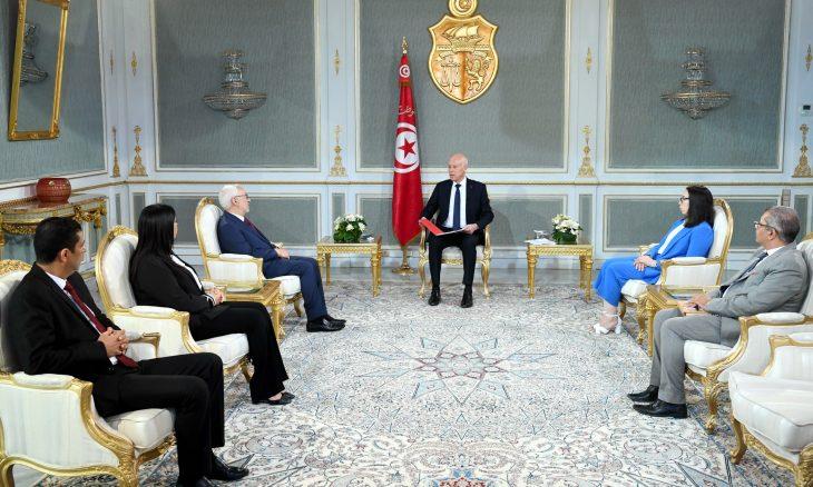 الفوضى تعصف ببرلمان تونس والرئيس يهدد باللجوء إلى الدستور- (فيديو)