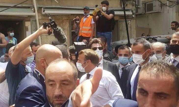 """ماكرون يسعى لمؤتمر دولي ويطمئن اللبنانيين الغاضبين: المساعدات لن تذهب """"للأيدي الفاسدة""""- (فيديوهات)"""