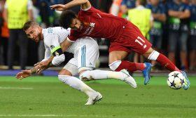 مدافع ليفربول: رفضت ريال مدريد بسبب واقعة راموس وصلاح