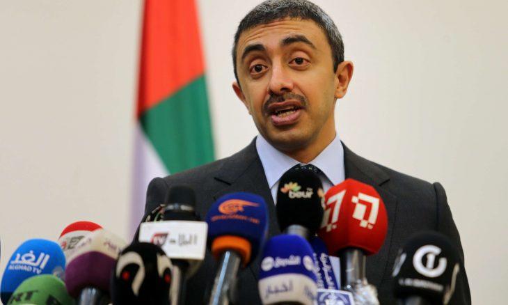 وزيرا خارجية الإمارات وإيران يتبادلان التهنئة بالعيد ويبحثان تداعيات فيروس كورونا