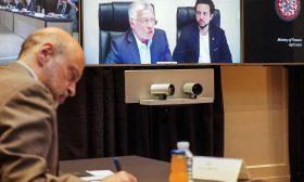 صحيفة عبرية للرزاز: لماذا تعرض الأردن للخطر وتغلق باباً بين الفلسطينيين وإسرائيل؟