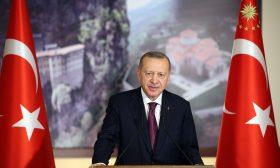 هل يتناقض طموح تركيا للانضمام إلى الاتحاد الأوروبي مع مراقبتها الشبكات الاجتماعية؟