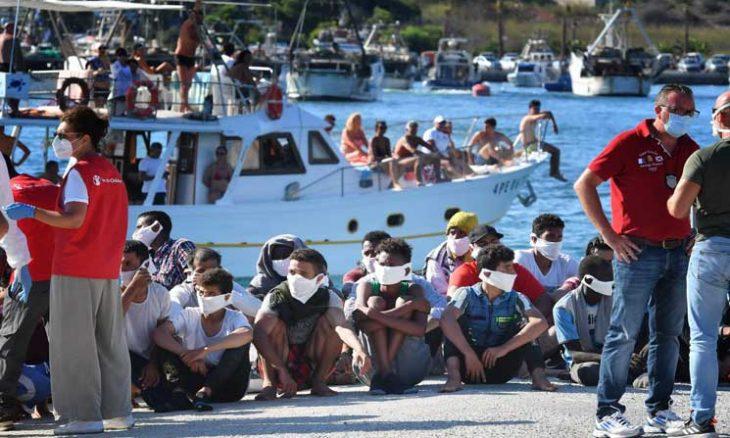 على الطريقة التركية.. نائب تونسي يدعو لاستخدام ورقة اللاجئين ضد أوروبا