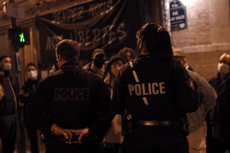 """العفو الدولية تدين القمع """"الوحشي"""" للمتظاهرين في فرنسا"""