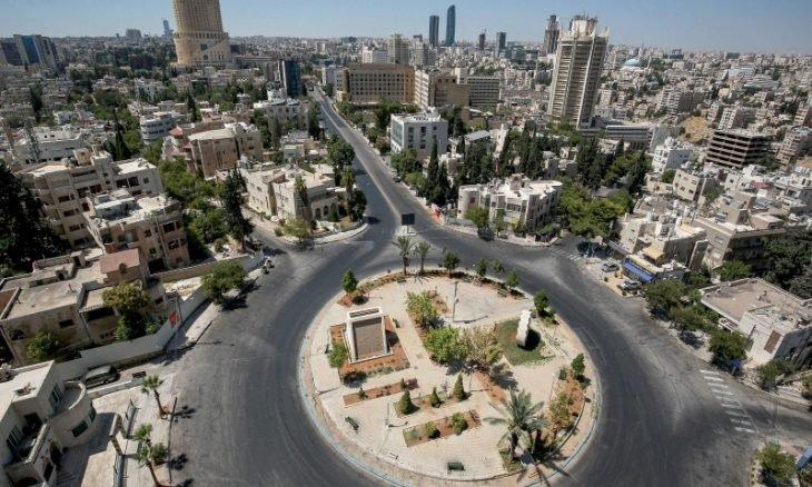 الأردن يحذر من احتمال العودة للإغلاق الكامل بعد ارتفاع حالات كورونا