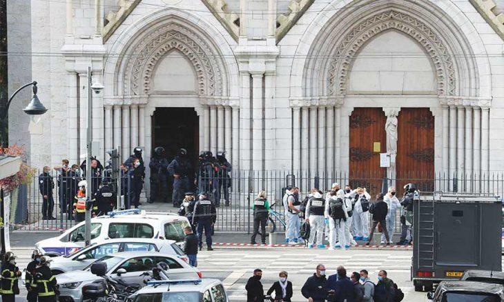 ماكرون يصف الهجوم على كنيسة بـ«إرهاب إسلامي» ويستنفر الجيش… وسعودي يهاجم قنصلية فرنسا في جدة