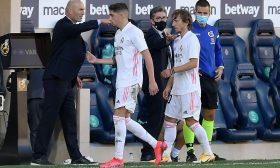 ماذا قال زيدان للاعبي ريال مدريد بعد انتكاسة قادش؟