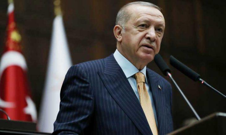 """أردوغان ينشد """"طلع البدر علينا"""" في رد على الإساءة للنبي محمد- (فيديو)"""