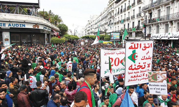 حراك الجزائر: كسب معركة وخسر أخرى