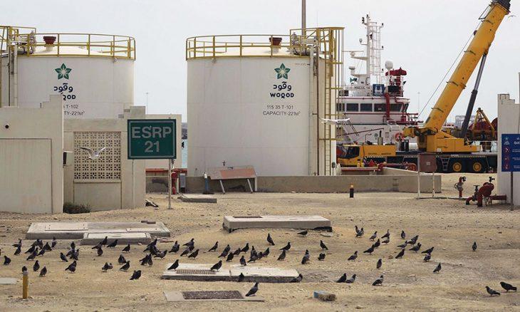 ضعف النفط والدولار يهدد برامج التحفيز الاقتصادي العربية