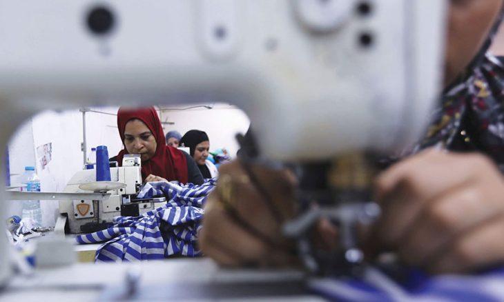 تراجع مشاركة المرأة العربية في سوق العمل  من يتحمل مسؤوليته؟